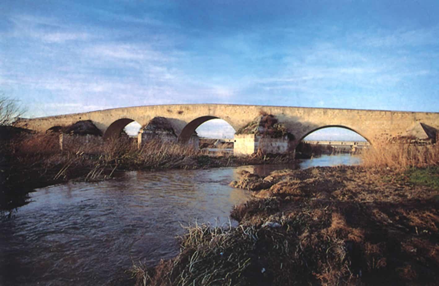 Il ponte romano sull'Ofanto, in Puglia