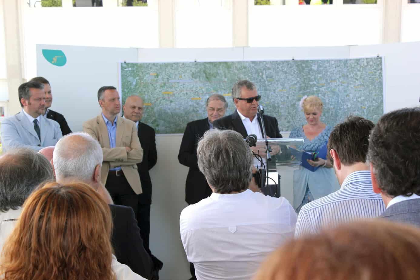 L'Ing. Giulio Burchi, con il Presidente di Autostrada BS-PD Flavio Tosi e il Presidente di A4 Holding Attilio Schneck, durante la cerimonia di apertura al traffico del casello di Agugliaro (Autostrada A31)