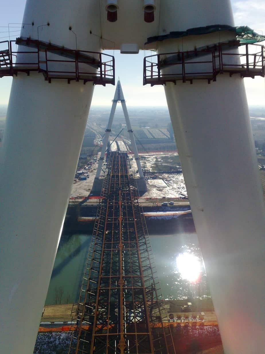 Il ponte sul fiume Adige in costruzione (Autostrada A31)