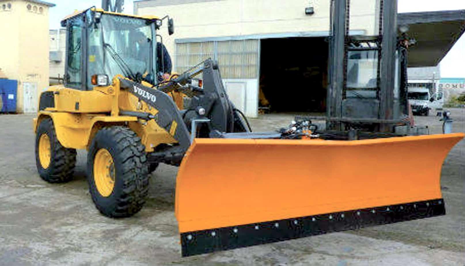 Con l'impiego della giusta attrezzatura queste macchine offrono elevata agilità e versatilità per un'ampia varietà di applicazioni