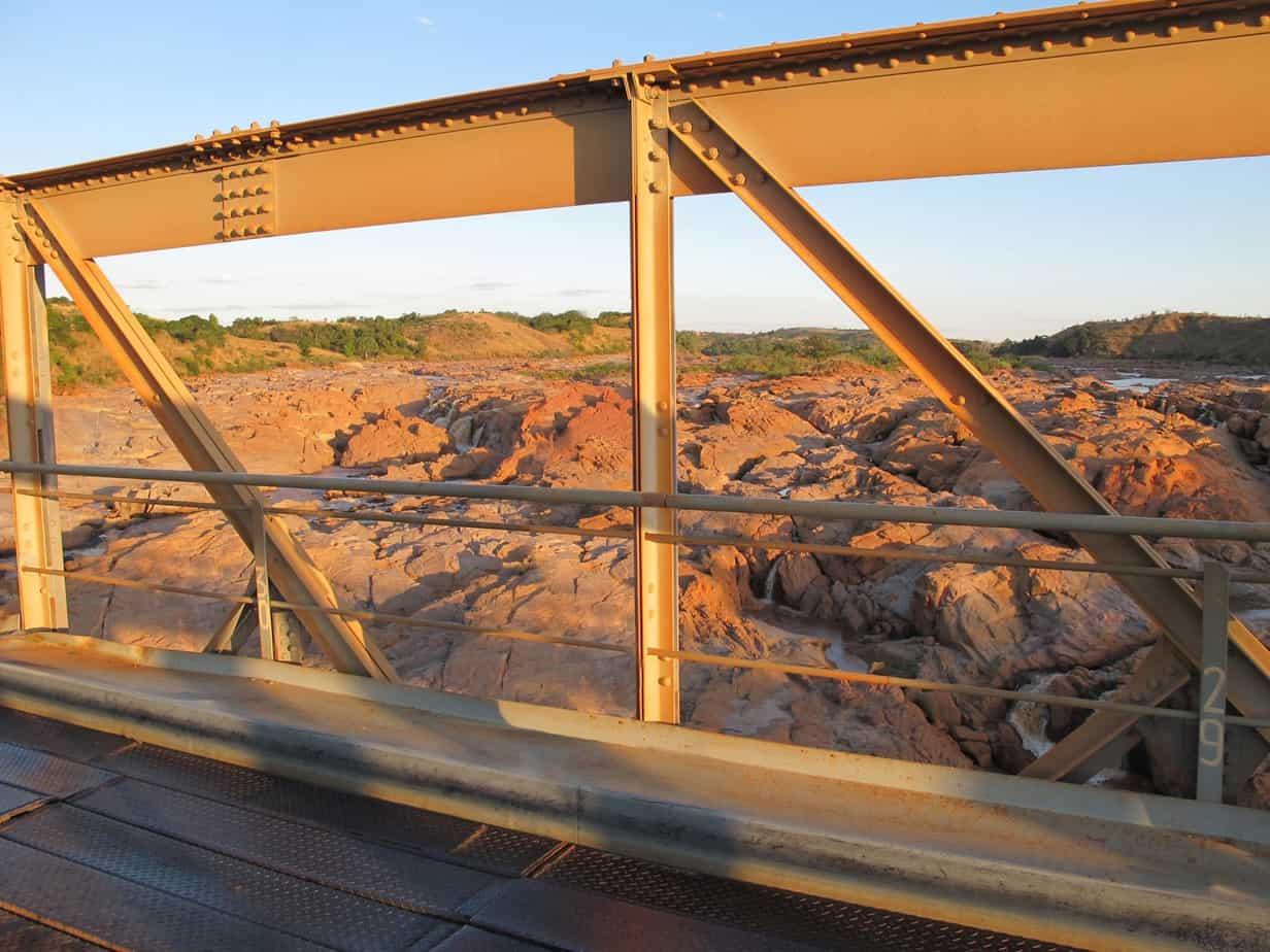 Il ponte sul fiume Betsiboka