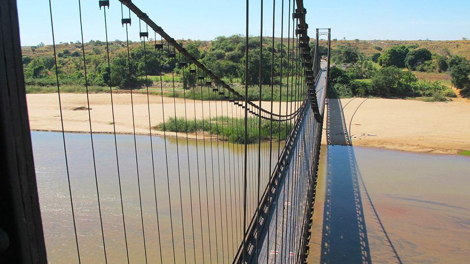 Il ponte sospeso di Kamoro in Madagascar