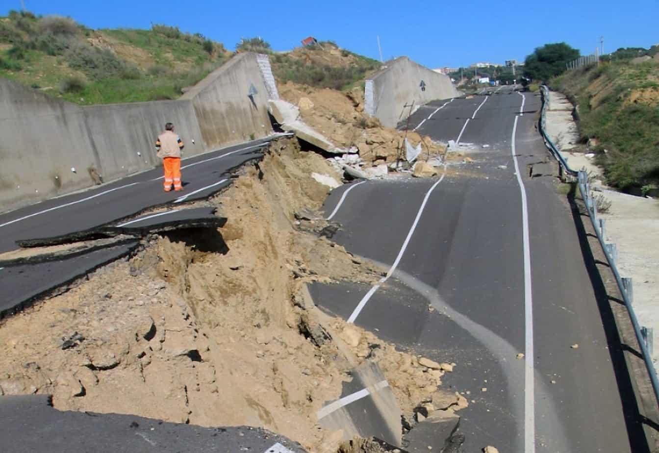 I danni provocati dalla frana nel comune di Montescaglioso (MT) il 3 Dicembre 2013