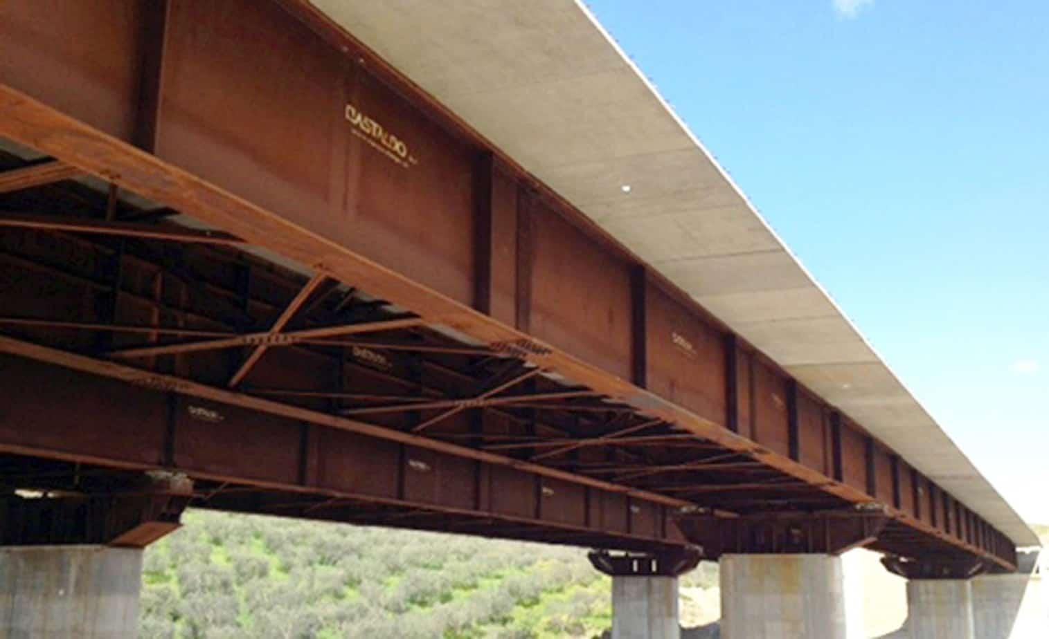 Il viadotto Guarino varato in opera comprensivo di predalles