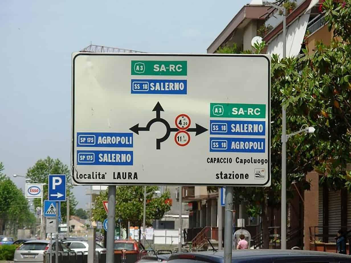 Esempio di informazioni segnaletiche che possono generare confusione negli utenti