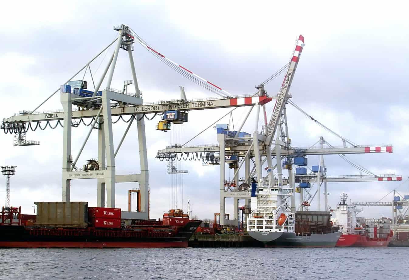 Il porto di Amburgo è uno dei più grandi d'Europa