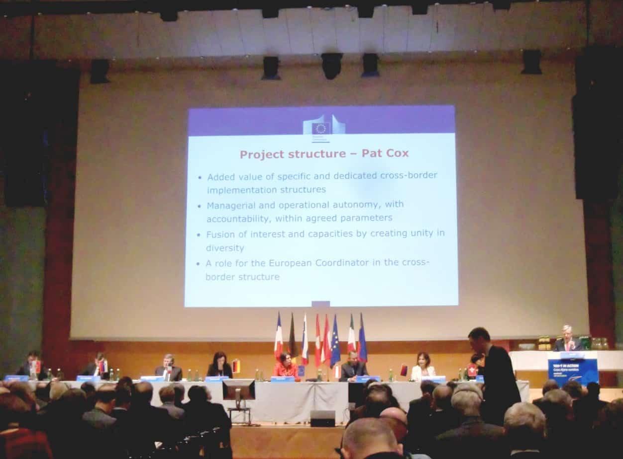 Un momento dell'intervento di Pat Cox, Coordinatore europeo per il Corridoio TEN-T scandinavo-mediterraneo