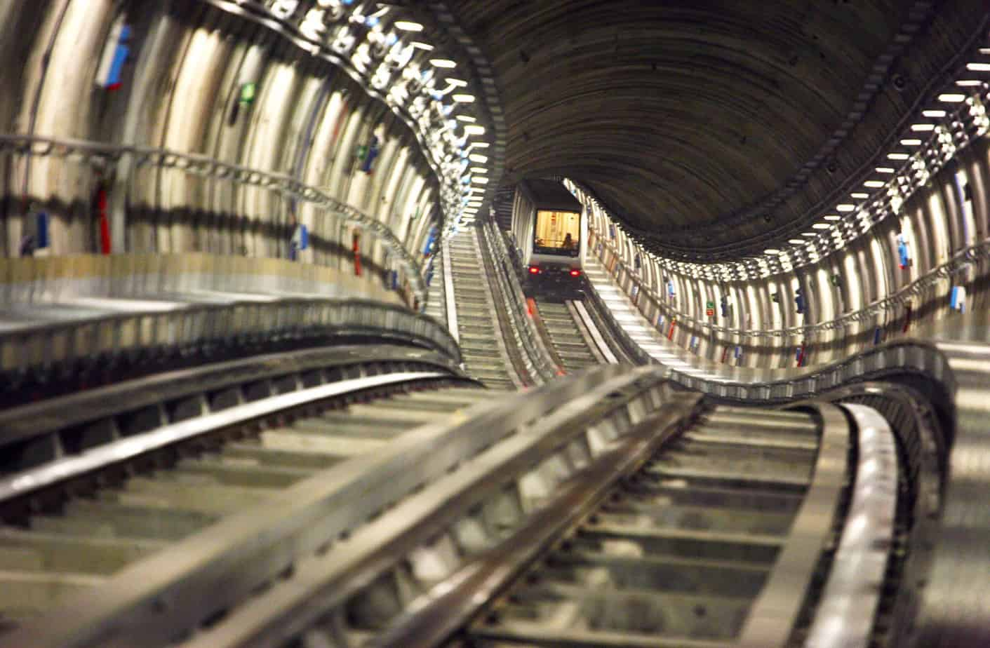 La metropolitana torinese completerà altri 5,3 km di linea, con sei stazioni e due capolinea (Piazza Bengasi e Cascine Vica)