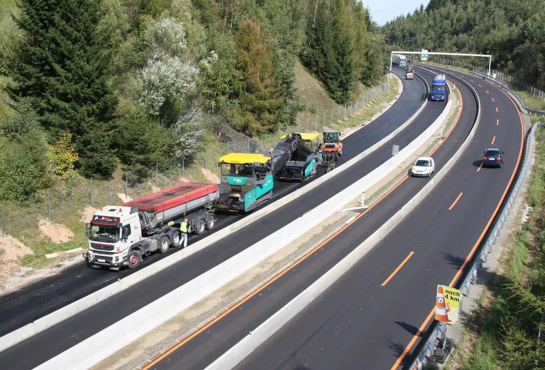 Massima planarità: rispettata perfettamente la tempistica dei lavori lungo la A2 tra Vienna e Graz, nei pressi di Schäffern