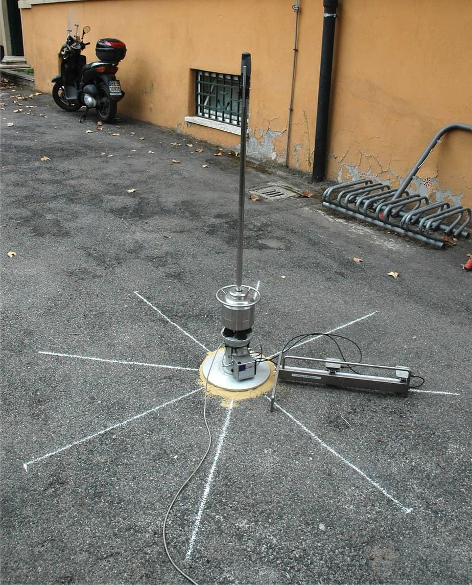 La misura delle caratteristiche meccaniche tramite Light Falling Weight Deflectometer