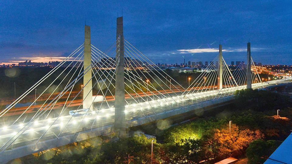 In Brasile, il ponte strallato sull'Avenida Ayrton Senna