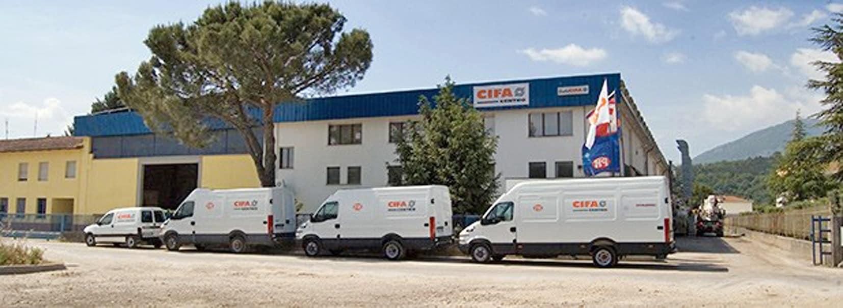 Cifacentro SpA è stata fondata nel 2000 e rappresenta un punto di riferimento in Umbria e Toscana per tutti gli operatori dei settori del calcestruzzo, dei lavori stradali e dell'edilizia in genere