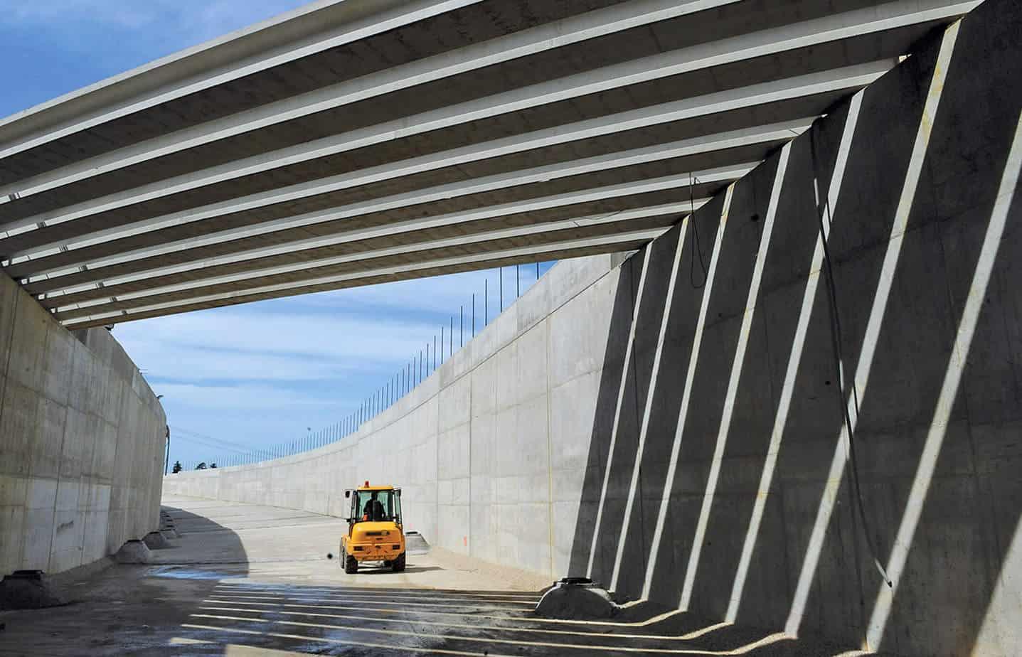 Il sottopasso sulla linea Udine-Cervignano: il ponticello a collegamento della viabilità campestre