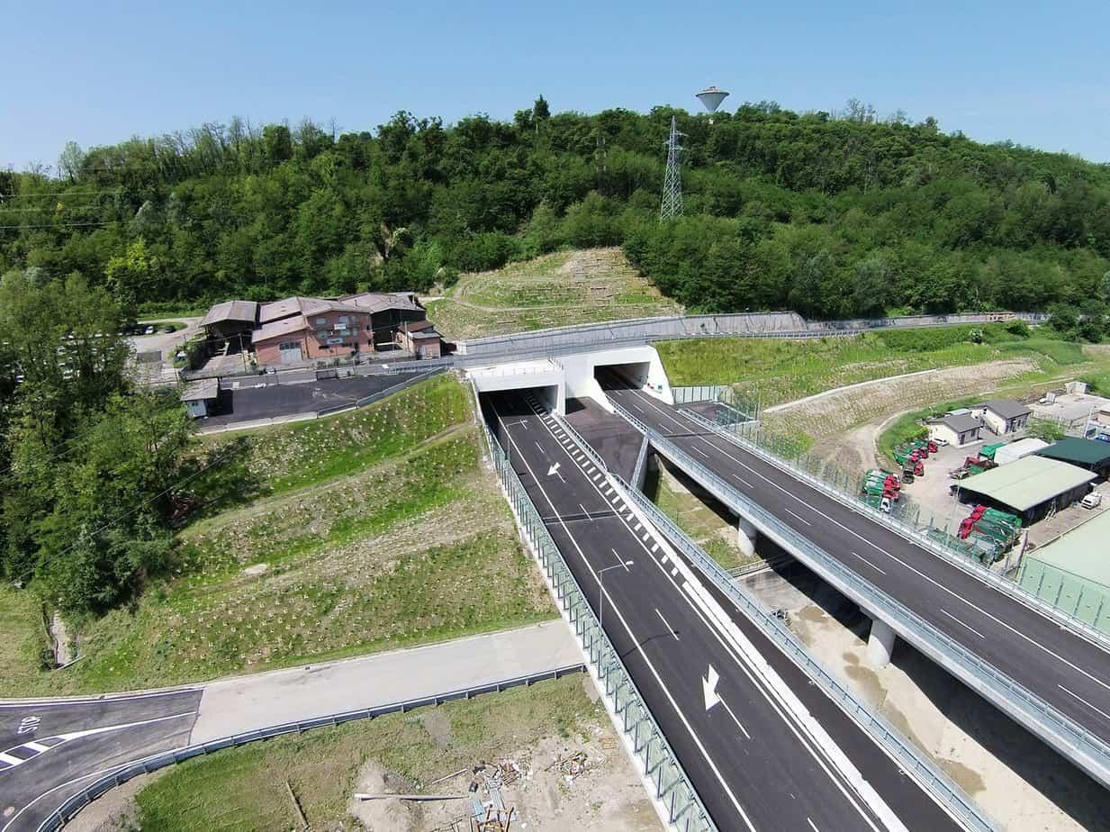 Il viadotto Acquanegra
