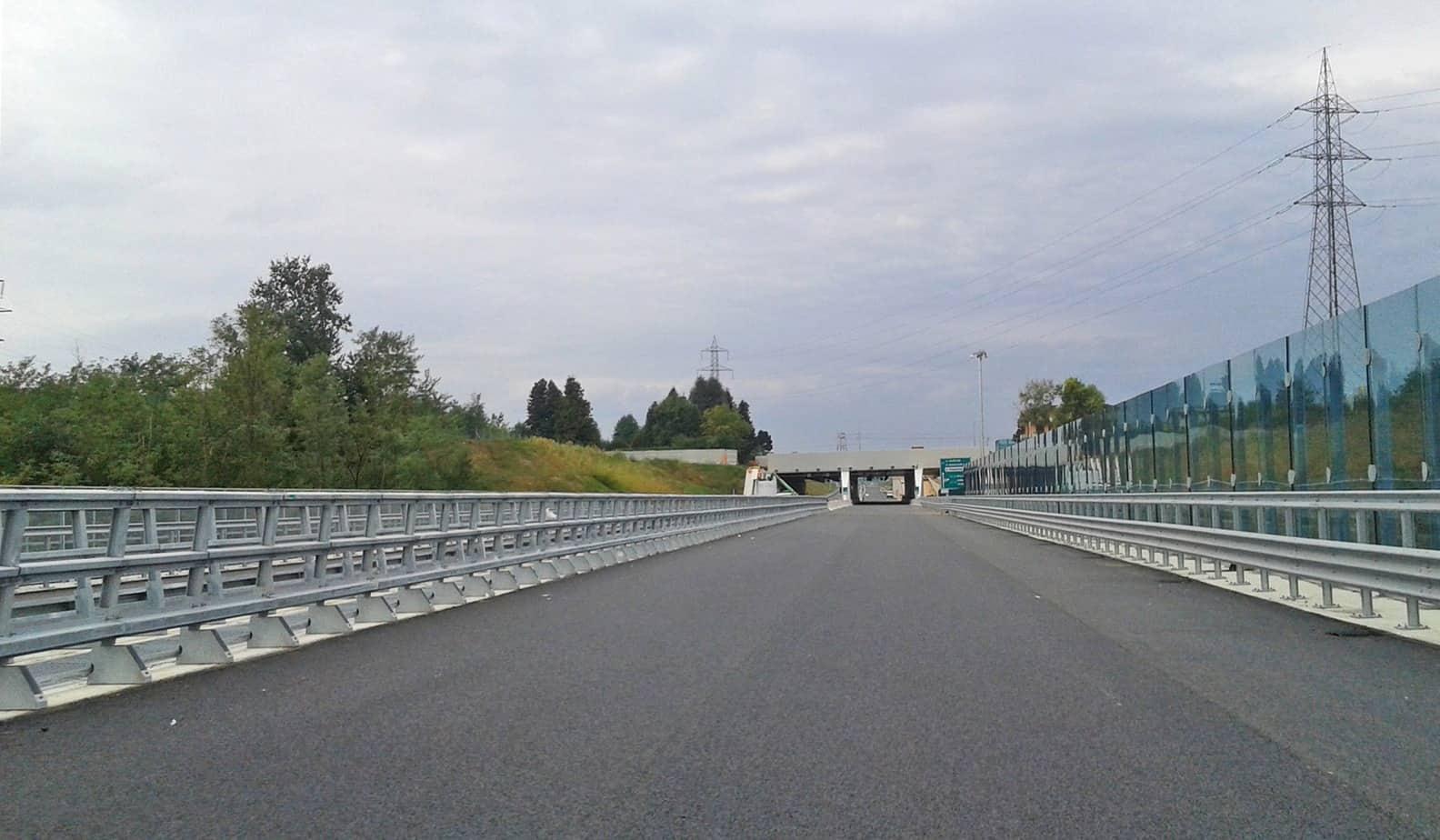 Il viadotto Lura