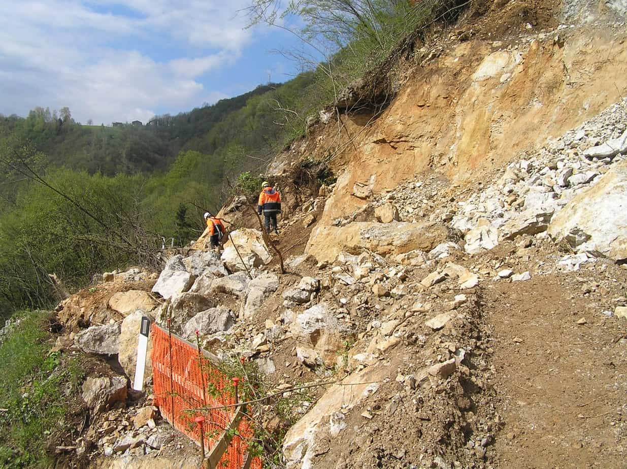 Nella costruzione di infrastrutture possono verificarsi dissesti localizzati a causa di caratteristiche geologiche non prevedibili o eventi eccezionali