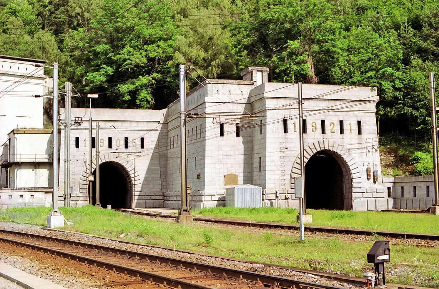 L'ingresso del tunnel ferroviario del Sempione dal lato svizzero