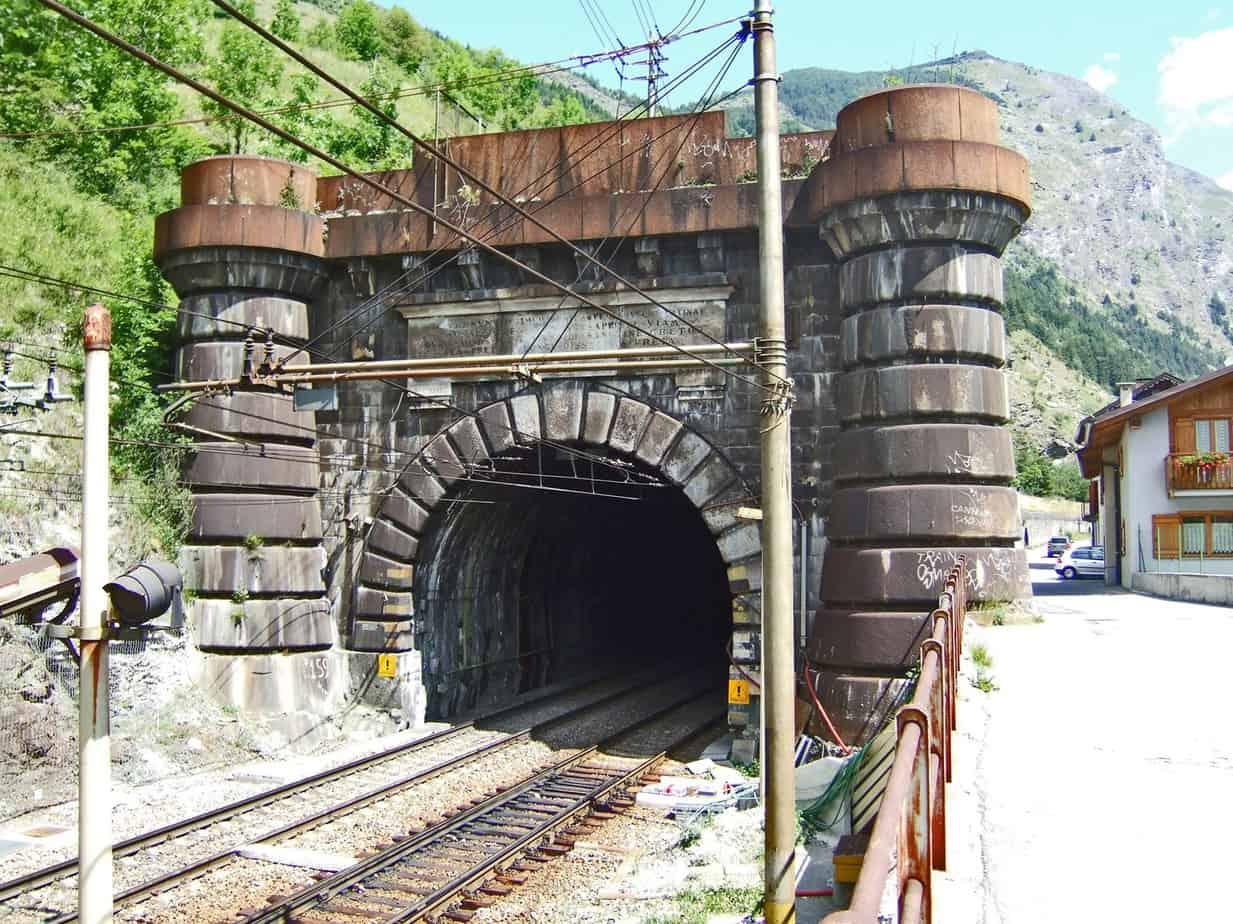 Il traforo ferroviario del Fréjus visto dal lato italiano