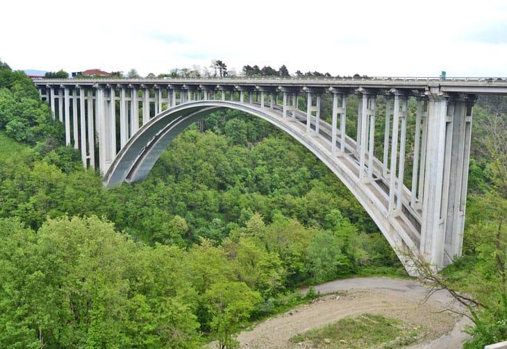 Il viadotto Aglio
