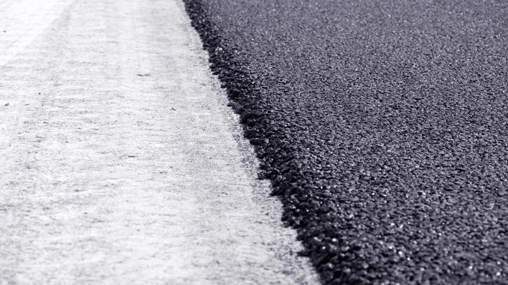 Un dettaglio di asfalti gommati drenanti