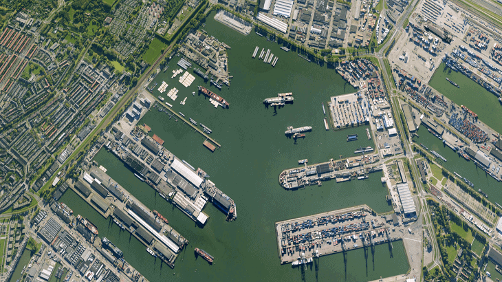 Vista del porto di Shanghai