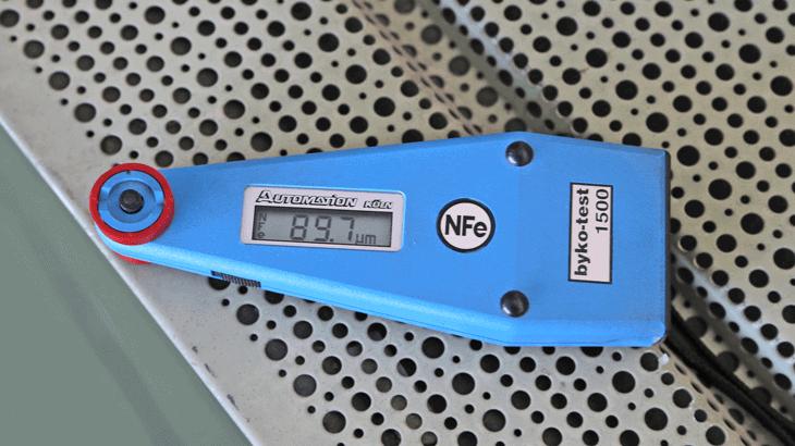 La misurazione dello spessore di vernice con micrometro