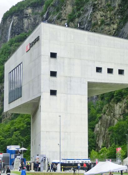 La centrale di esercizio Sud delle FFS, a forma di periscopio
