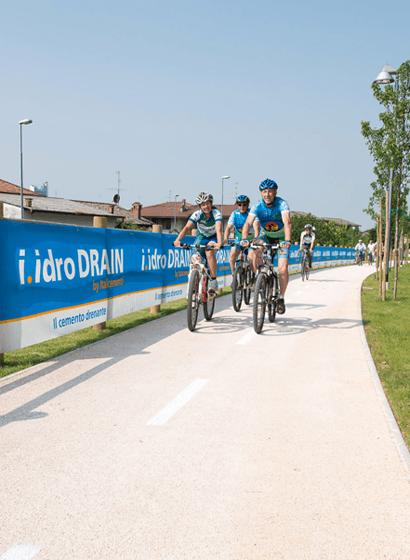 L'i.idro DRAIN sulla pista ciclabile di Calusco d'Adda (BG)