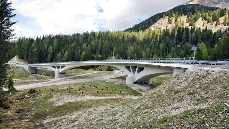 Vista del ponte da valle
