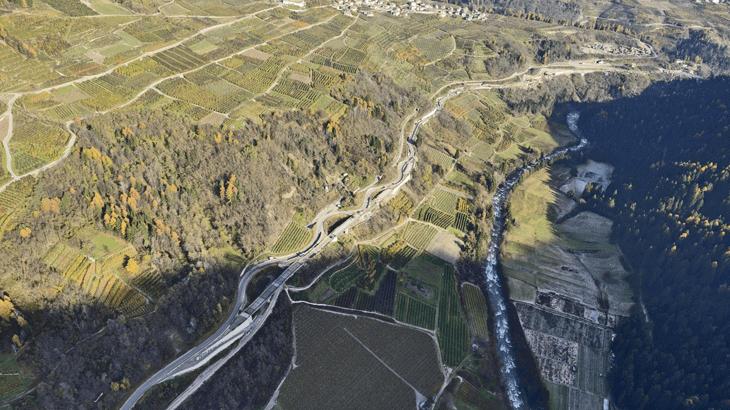 Vista aerea della rettifica stradale