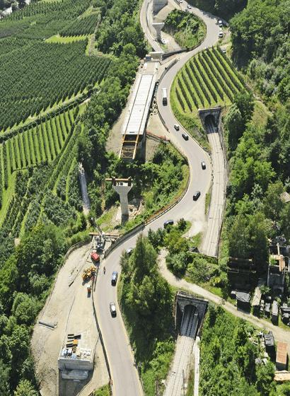 Vista aerea del varo a spinta del viadotto 4