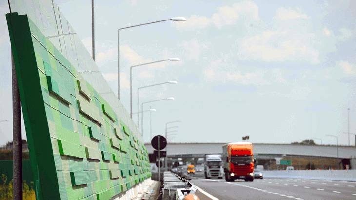 Una barriera fonoassorbente