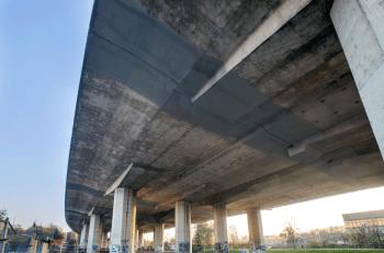 La manutenzione dei giunti del viadotto dei Parchi