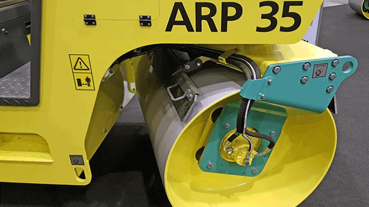 Il nuovo rullo tandem leggero Ammann ARP 35 è un compattatore con perno girevole