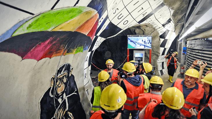 Tunnel Art Work è un progetto di TELT (Tunnel Euralpin Lyon Turin) che ha portato la street art per la prima volta nel cuore della montagna, a 2.800 m dall'imbocco del cunicolo esplorativo di Chiomonte