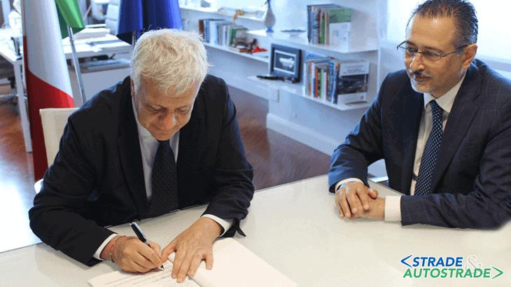 Galletti firma un accordo con il Presidente della Regione Basilicata Marcello Pittella