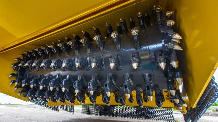 La tecnologia Bomag Flexmix migliorata sulla nuova SR 500 con un terzo flap