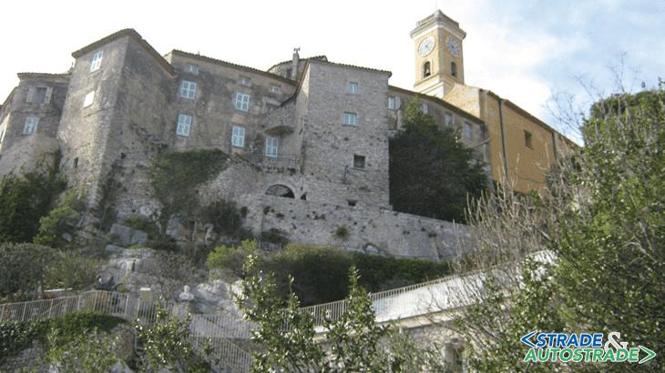 L'ardita costruzione di Eze (Francia)