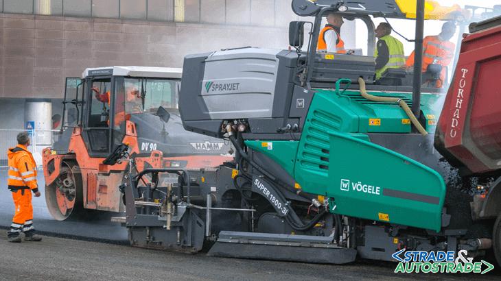 La finitrice è stata utilizzata con successo per stendere oltre 10.000 m2 di strato di usura