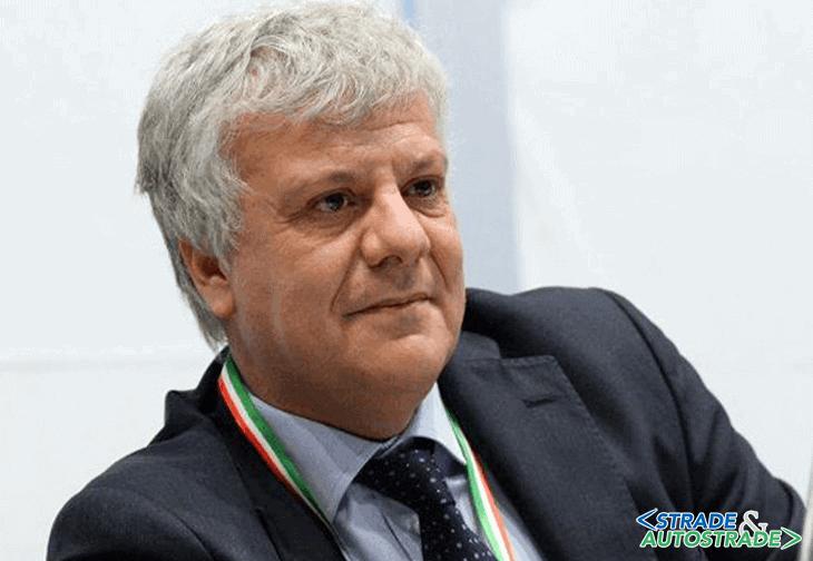 Gian Luca Galletti: l'uomo che… fa mare e monti