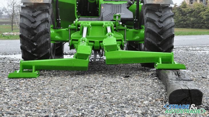 Alcune delle caratteristiche salienti che ne fanno una macchina unica sono la stabilizzazione in sagoma per la massima versatilità, la compattezza e le elevate altezze raggiungibili e il massimo carico alla massima altezza