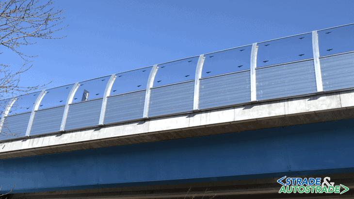 Vista del viadotto San Francesco con pannelli e profili in alluminio