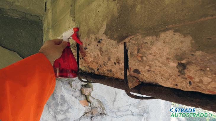 Nessun viraggio fino a 6 cm di profondità si osserva nella zona inferiore della trave di bordo prima campata lato Est
