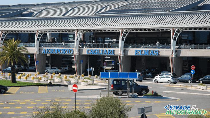 Il grafico dei passeggeri Low Cost e CT all'aeroporto di Cagliari - Elmas (Fonte: Sogaer)