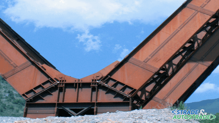 Le gambe del viadotto Caffaro e del viadotto Pineta