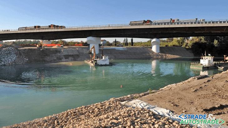 La prova di carico sul primo viadotto sul Piave