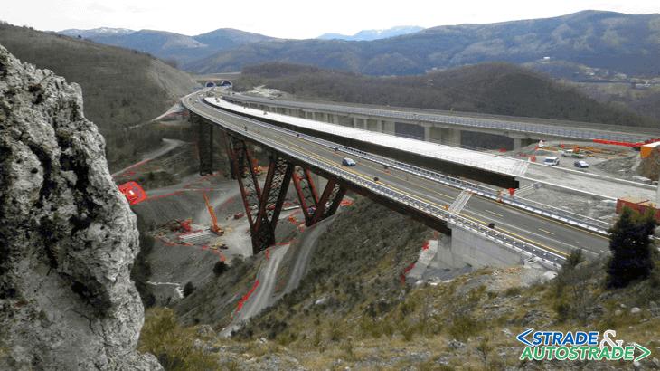 La carreggiata Nord aperta al traffico a Marzo 2015 e la carreggiata Sud in completamento