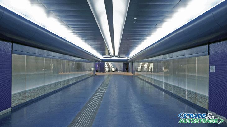 """La """"Galleria del mare"""", opera di Robert Wilson presso la stazione Toledo"""