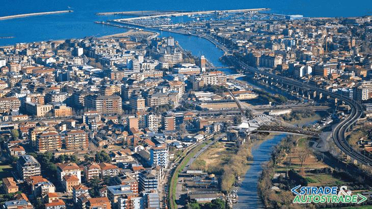 La simulazione virtuale di valutazione di inserimento urbano in relazione alle aree del parco fluviale del fiume Pescara