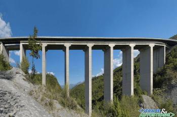 Il nuovo impalcato del viadotto Jannello sulla A2